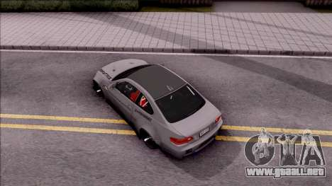 BMW M3 E92 Liberty Walk Performance 2013 para GTA San Andreas vista hacia atrás