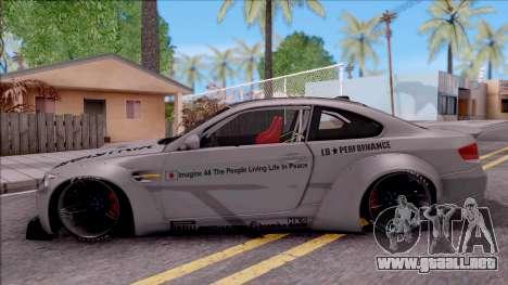 BMW M3 E92 Liberty Walk Performance 2013 para GTA San Andreas left