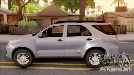Toyota Fortuner para GTA San Andreas left