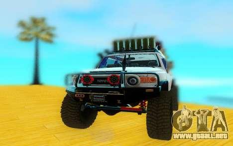Toyota FjCruiser 2012 para la visión correcta GTA San Andreas