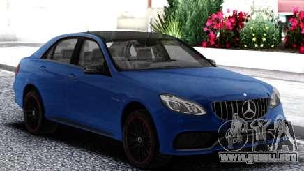 Mercedes-Benz E63 AMG W212 Akrapovič para GTA San Andreas