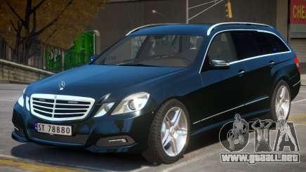 Mercedes Benz E Class Police para GTA 4