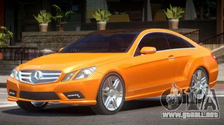 Mercedes Benz E500 V1.1 para GTA 4